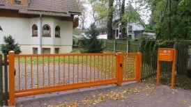 Schiebetoranlage in orange